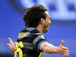 Matteo Darmian celebra el tanto de la victoria interista.