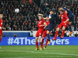 Kurz nach dem Führungstreffer für Leverkusen kann Paris St. Germain im CL-Achtelfinale durch Marquinhos (r.) ausgleichen. Rolfes, Thiago Silva und vor allem Reinartz (v.l.n.r.) können nicht mehr eingreifen.