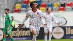 Usami geht ein weiteres Jahr auf Torejagd in Düsseldorf