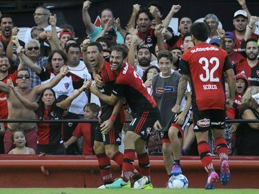 Maxi Rodríguez celebra un gol (Foto: Getty)