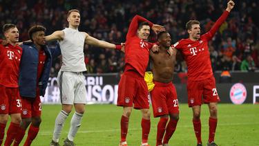 Der FC Bayern ließ sich nach dem Kantersieg in Belgrad feiern