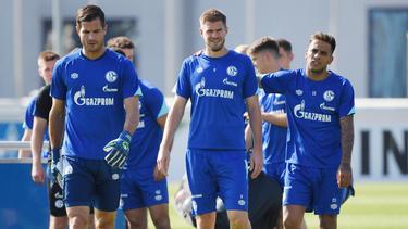 Michael Langer (l.) könnte dem FC Schalke längere Zeit fehlen