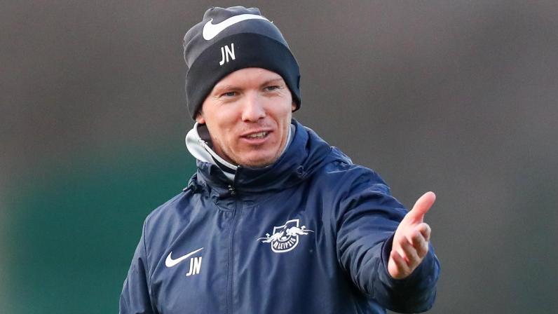 Trainer Julian Nagelsmann von RB Leipzig bat seine Spieler wieder zu Training