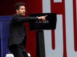Simeone no paró en todo el encuentro.