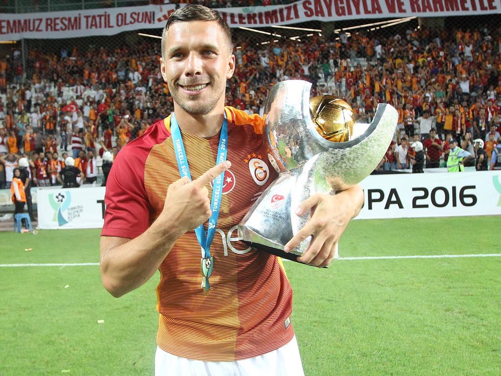 Lukas Podolski hat sich eine Verletzung zugezogen