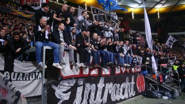 Die Eintracht-Fans mussten vor dem Spiel gegen Donezk scharfe Kontrollen über sich ergehen lassen