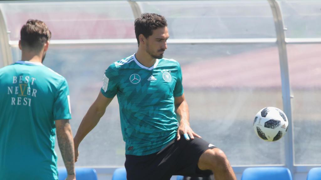 Mats Hummels hat zu der angeblichen Gruppenbildung innerhalb der Nationalmannschaft Stellung genommen