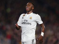 Vinicius Jr está siendo la sensación de un Madrid en crisis. (Foto: Getty)