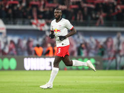Dayot Upamecano steht bei den Bayern am Zettel