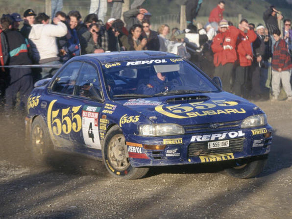 Colin McRae in seinem Subaru Impreza
