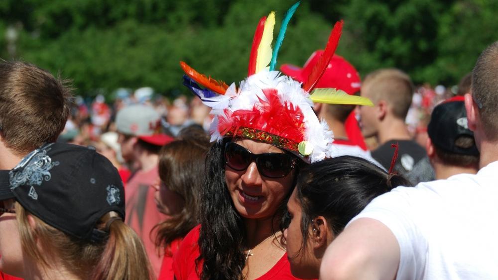 Die Blackhawks verbieten das Tragen von Indianerschmuck
