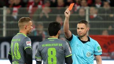 Almog Cohen sah während der zweiten Halbzeit die Rote Karte