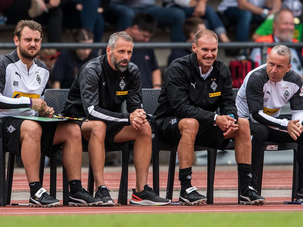 Marco Rose (2.v.l.) hat sich mit Borussia hohe Ziele gesteckt