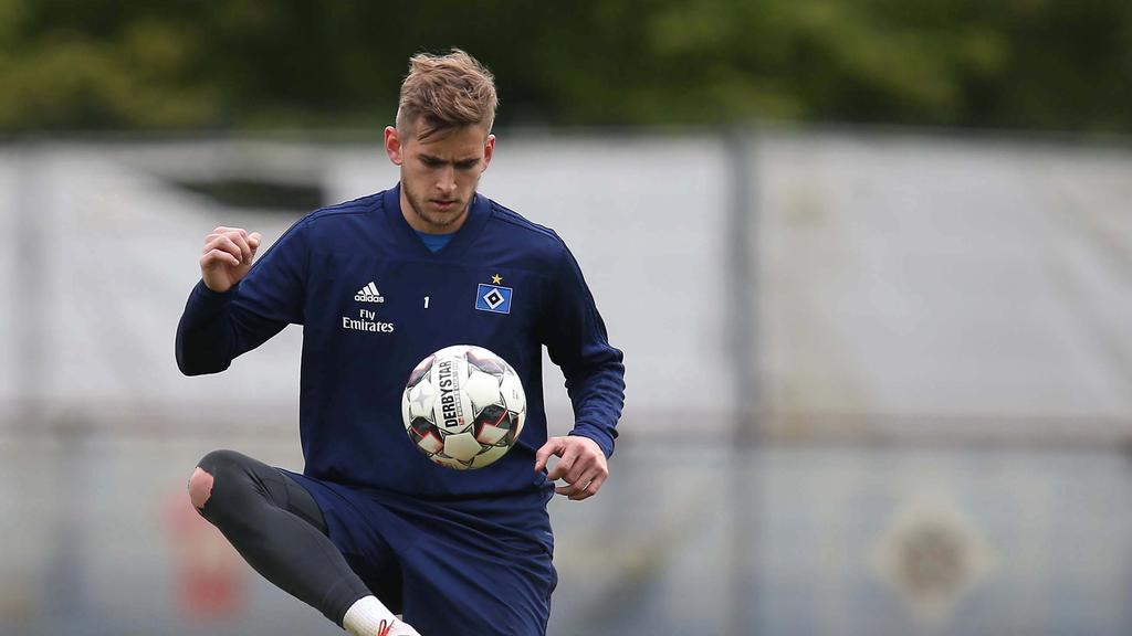 Julian Pollersbeck hat beim HSV derzeit einen schweren Stand
