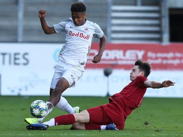 Salzburg-Talent Karim Adeyemi (l.) hat sich ins Blickfeld des FC Barcelona gedribbelt