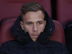Arthur en el banquillo del FC Barcelona.