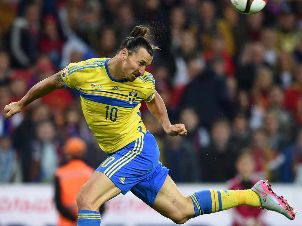Zlatan Ibrahimović en el partido clasificatorio ante Rusia. (Foto: Getty)