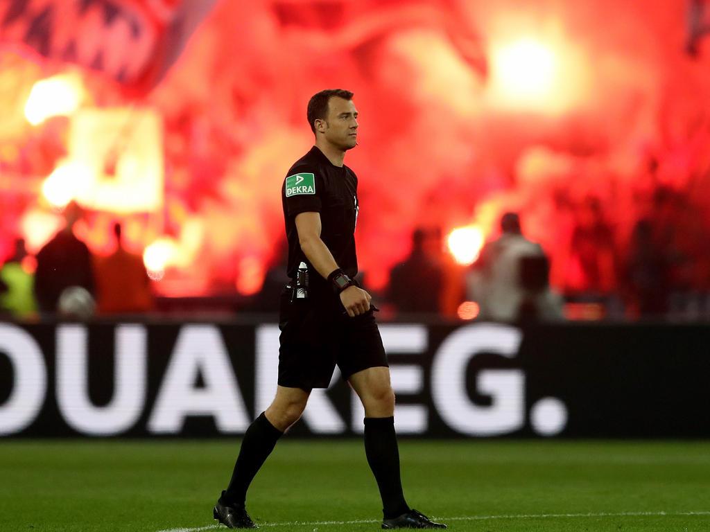 Felix Zwayer steht zu seiner umstrittenen Entscheidung im DFB-Pokalfinale