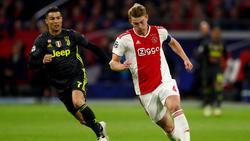 Matthijs de Ligt (r.) wird von etlichen internationalen Top-Klubs umworben