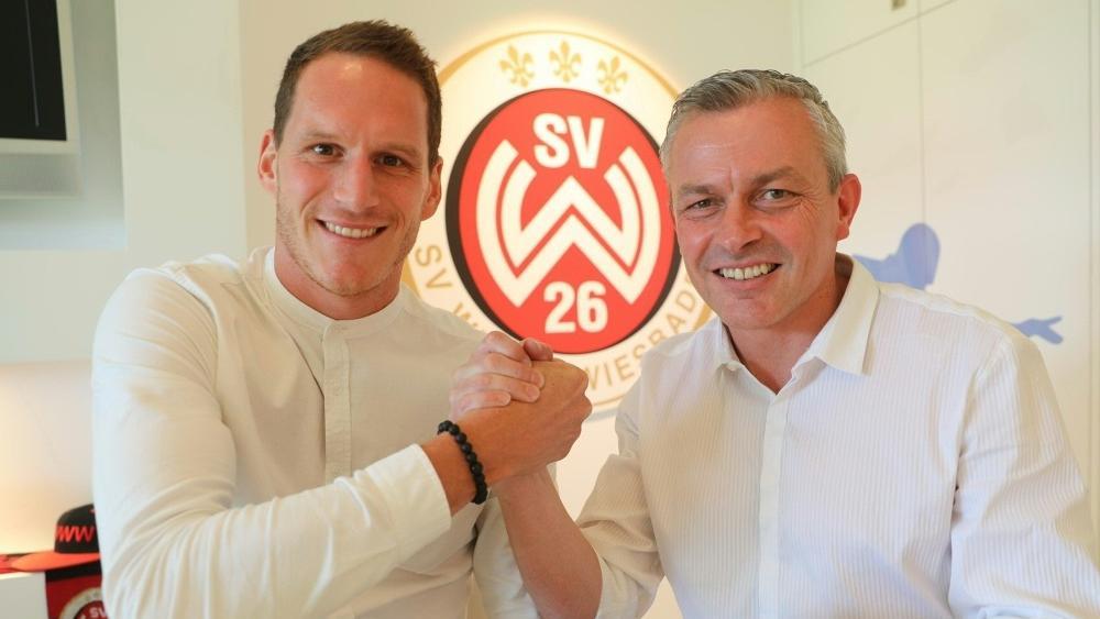 Benedikt Röcker (l.) verstärkt Wehen Wiesbaden