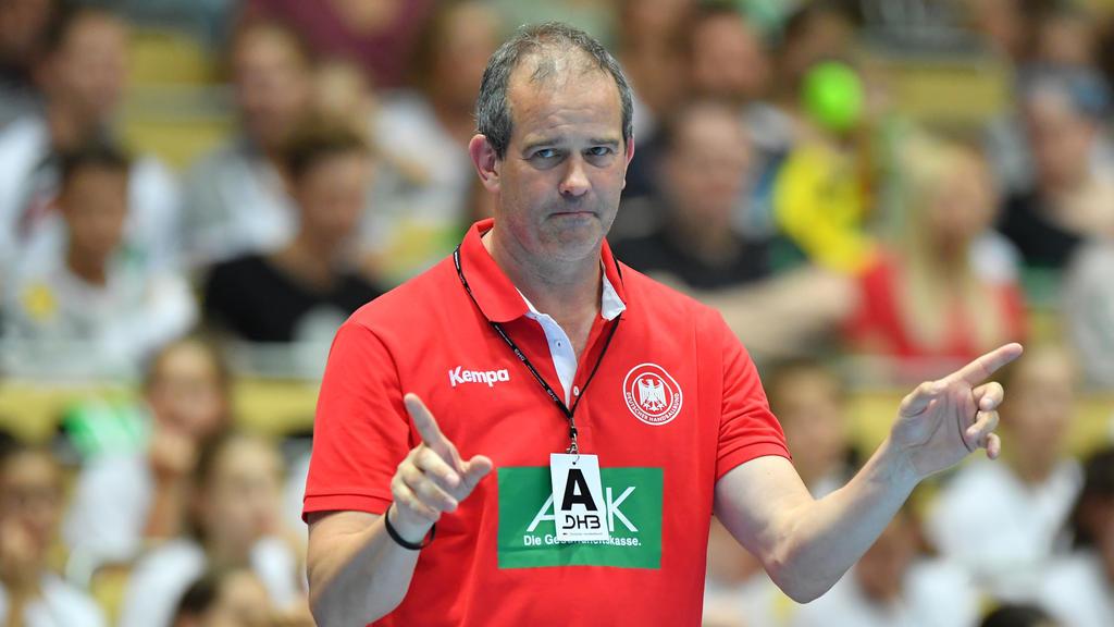 Frauen-Bundestrainer Henk Groener hat sein Arbeitspapier vorzeitig verlängert