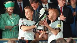 Oliver Bierhoff (M.), Matthias Sammer (r.) und Co. wurden 1996 Fußball-Europameister