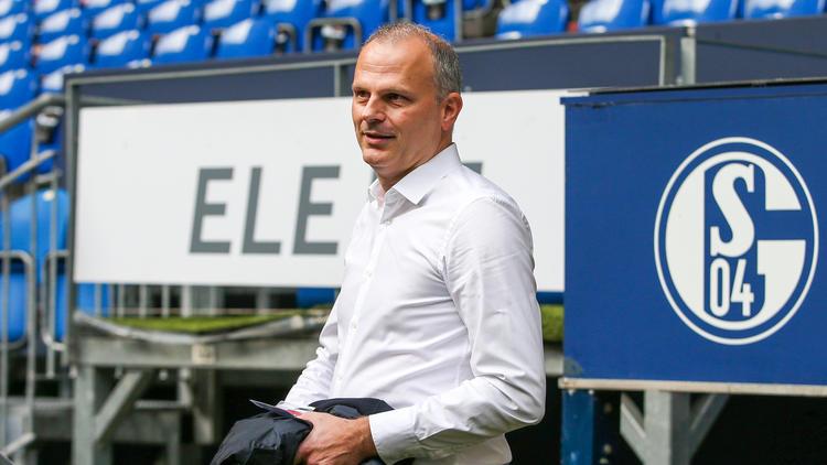 Jochen Schneider vom FC Schalke 04 hat sich zum Angebot des BVB geäußert
