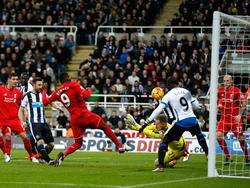 Christian Benteke no vio portería ante un buen Newcastle. (Foto: Getty)