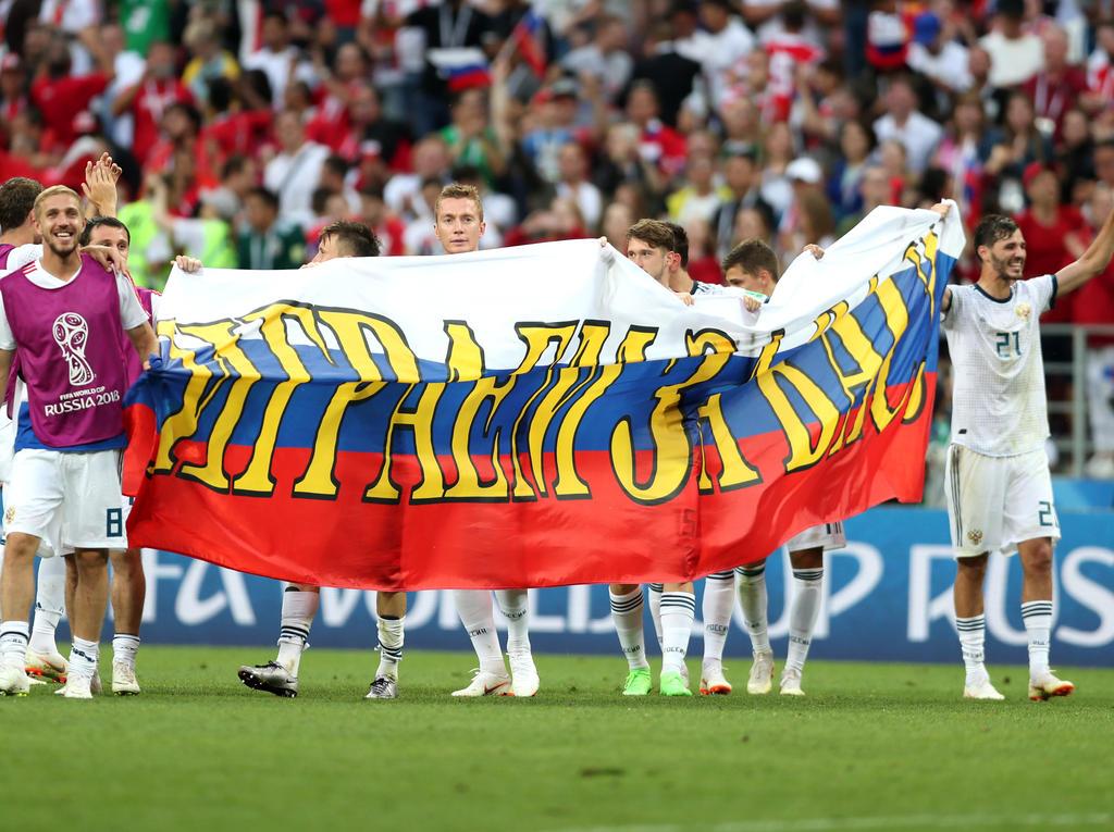 Russland steht überraschend im Viertelfinale