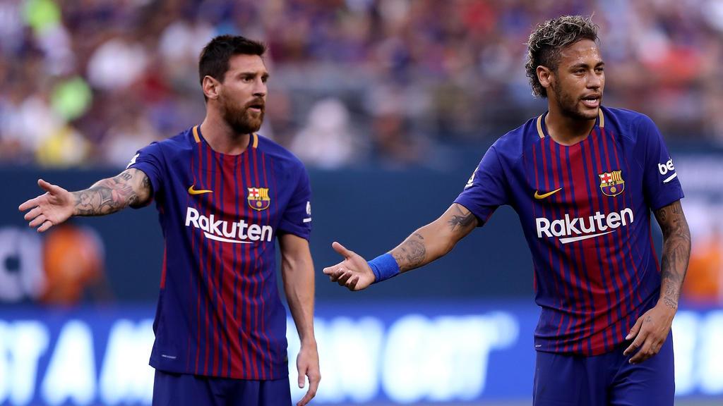 Einige Barca-Stars wollten Neymar (r.) angeblich unbedingt zurück beim FC Barcelona sehen