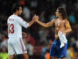 Handshake zwischen zwei Legenden