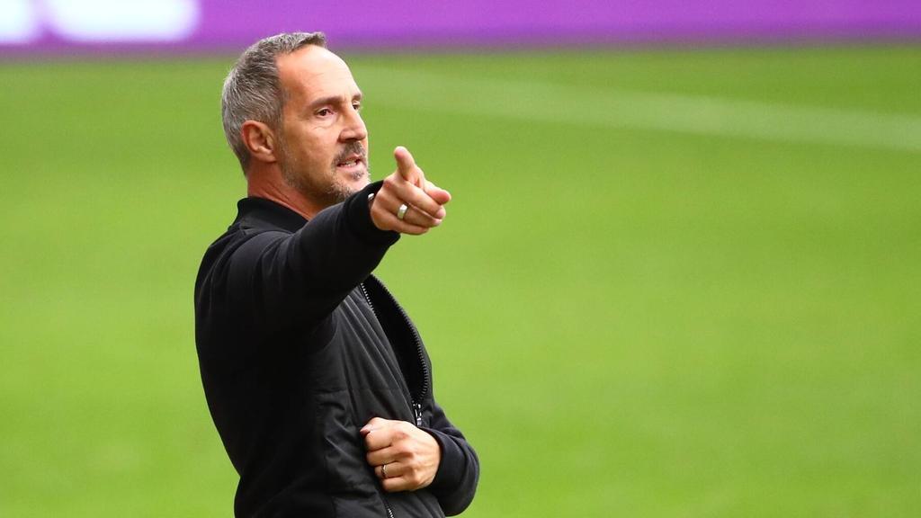 Adi Hütter blickt auf die Partie gegen den FC Bayern