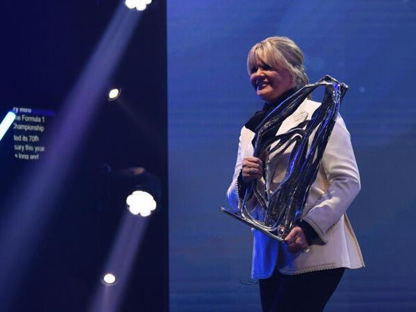 Corinna Schumacher nahm den Award stellvertretend für Michael entgegen