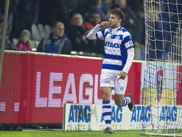 Jerry van Ewijk scoort zijn negende van het seizoen tijdens De Graafschap - Jong FC Twente. (06-12-2014)