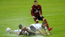 Die Spieler von Bayer Leverkusen und dem 1. FC Nürnberg hatten Schwierigkeiten