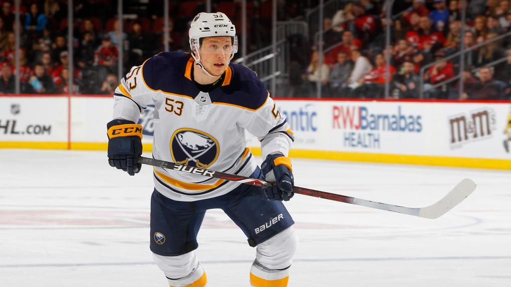 Jeff Skinner bleibt in Buffalo