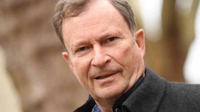 Hans E. Lorenz findet, dass die Bundesliga fairer geworden ist