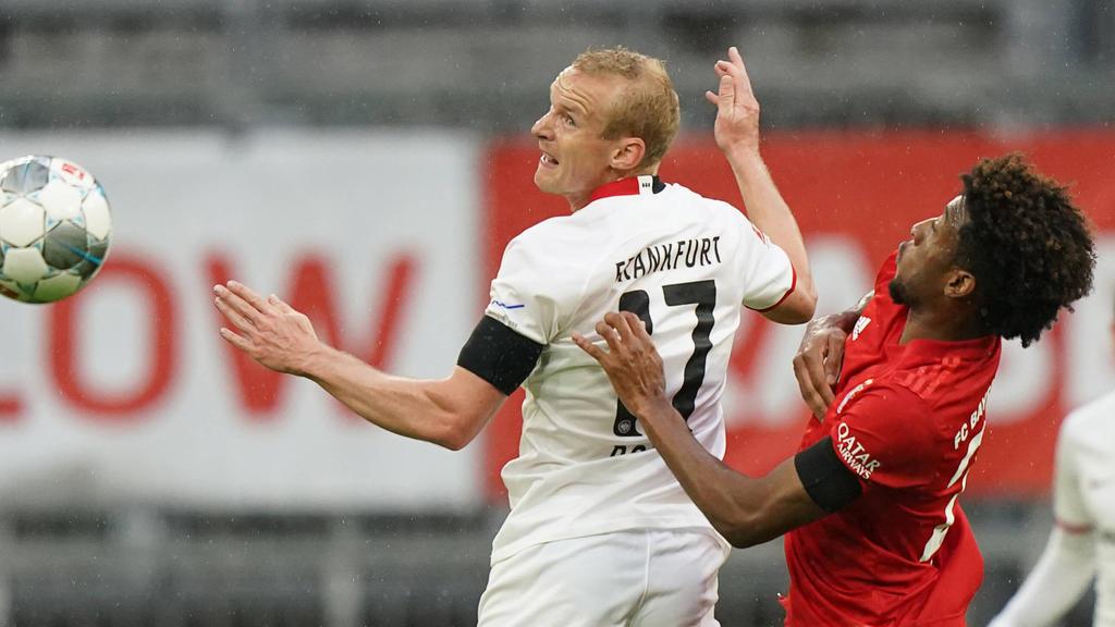 Eintracht-Star Sebastian Rode (li.) freut sich auf das Duell mit dem FC Bayern