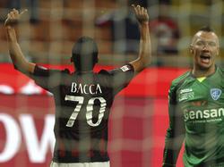 El colombiano Carlos Bacca marcó por primera vez en la Seria A. (Foto: Getty)