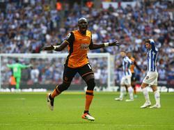 Mohamed Diamé viert zijn doelpunt voor Hull City in de finale van de play-offs voor promotie naar de Premier League tegen Sheffield Wednesday. (28-05-2016)