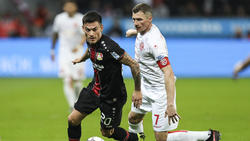 Charles Aránguiz (l.) soll bei Bayer Leverkusen verlängern