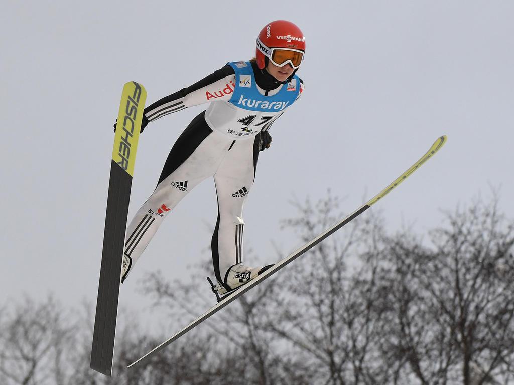 Katharina Althaus sprang in Hinzenbach aufs Podium