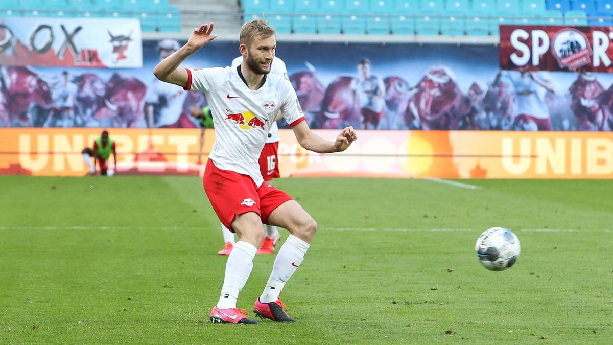 Konrad Laimer von RB Leipzig muss sich einer Knie-OP unterziehen