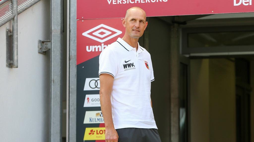 Heiko Herrlich ist der Trainer des FC Augsburg