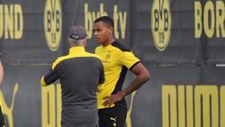 Manuel Akanji (r.) könnte dem BVB auch gegen Lazio Rom fehlen