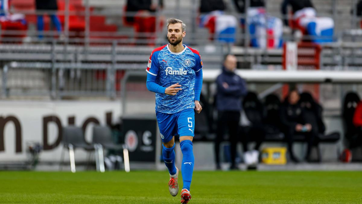 Holstein Kiel verlängert mit Stefan Thesker