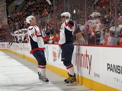 AlexOvechkinundJohnCarlson für Washington beim NHL-Spiel gegen Philadelphia