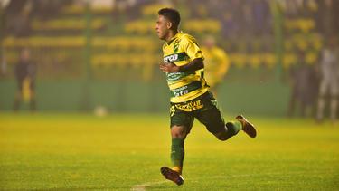 Nicolás Fernández fue el héroe de la noche al anotar los tres tantos. (Foto: Getty)