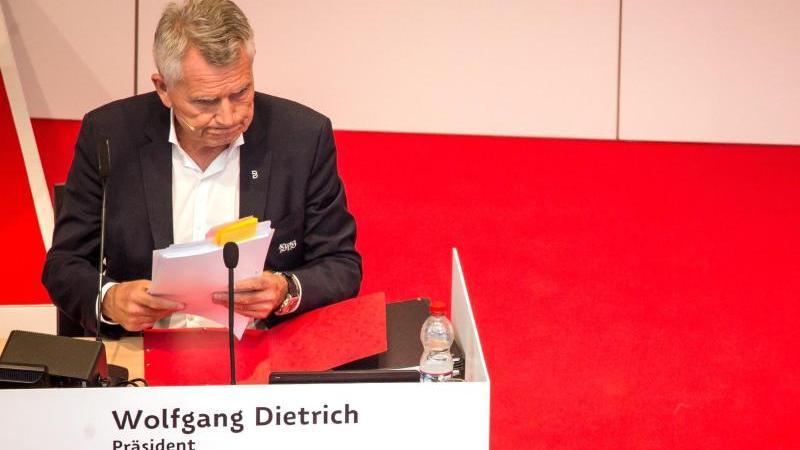 Über die Zukunft von Wolfgang Dietrich sollte eigentlich abgestimmt werden
