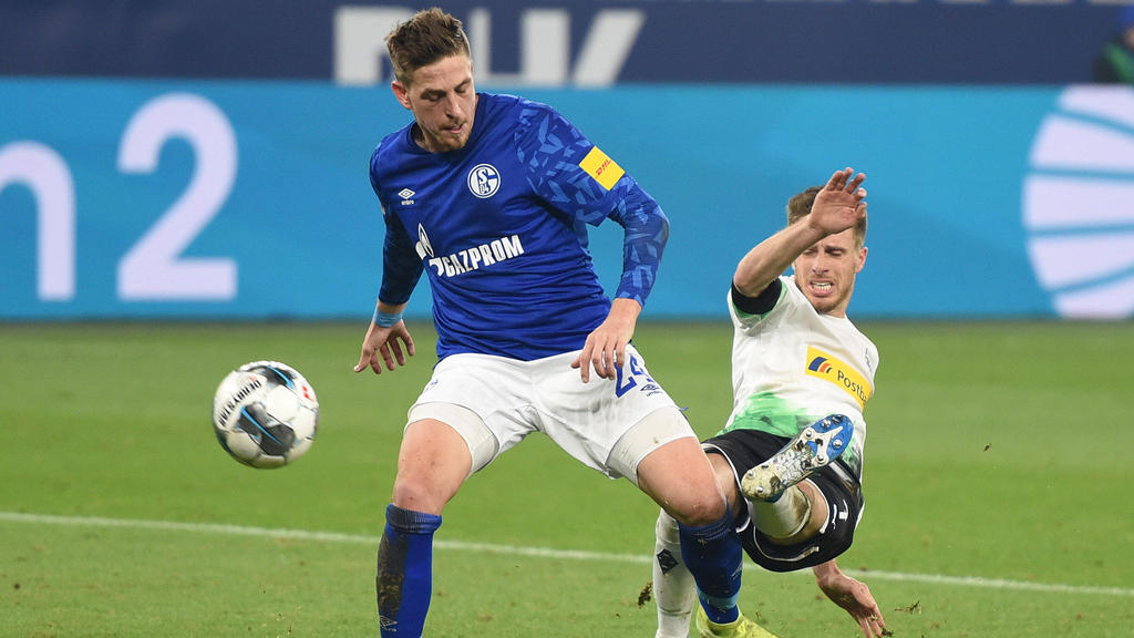 Bastian Oczipka hat seinen Vertrag beim FC Schalke vorzeitig verlängert